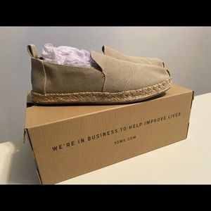 Toms Desert Taupe Washed Canvas Sz 6